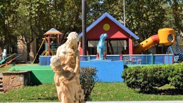 La Plaza de los Juegos es uno de los espacios que mayor movimiento muestra los fines de semana en Casilda.