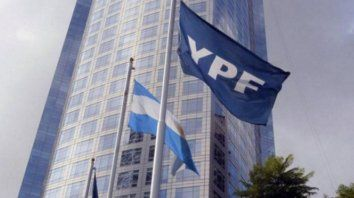 El acuerdo logro alcanzado por YPF redunda en una refinanciación temprana de pagos de capital e interés acumulado hasta diciembre de 2022 por un total de 630 millones de dólares.
