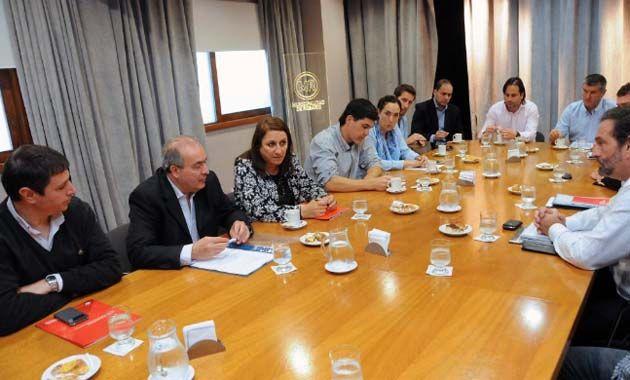 Muy buena reunión hoy con secretarios de Nación