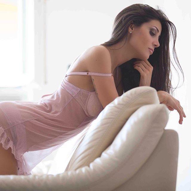 Las fotos de la increíble modelo italiana que rompió el corazón de Giovanni Simeone