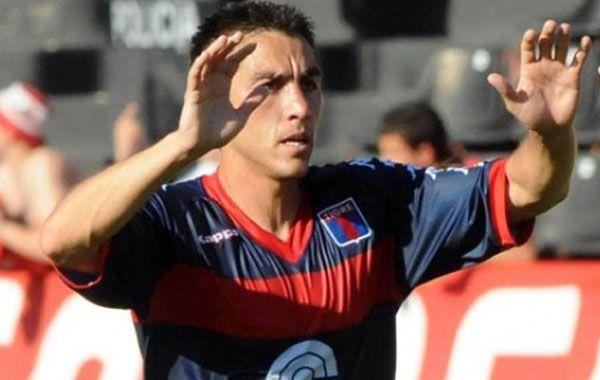 El defensor se queda en Tigre
