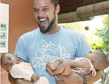 Una prima del cantante Ricky Martin sería la madre de sus hijos gemelos