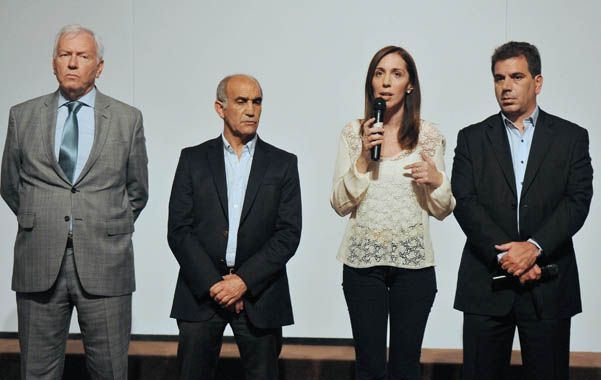 Desde La Plata. Vidal brindó ayer una conferencia de prensa acompañada por algunos de sus ministros.