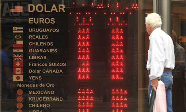El dólar blue supera casi en un 85 por ciento al dólar oficial. (Foto: Archivo)