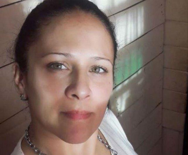 Víctima. Erica Vanes Olguín sigue internada en el Hospital Provincial.