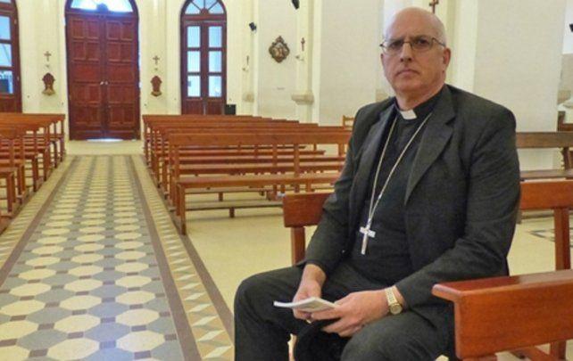 Monseñor Santiago Olivera. Fue nombrado obispo castrense.