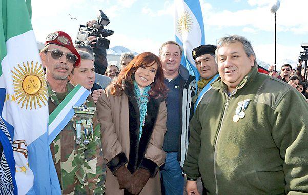 Cristina y los Soldados. Esta semana la presidenta anunció la apertura de los archivos de la guerra.