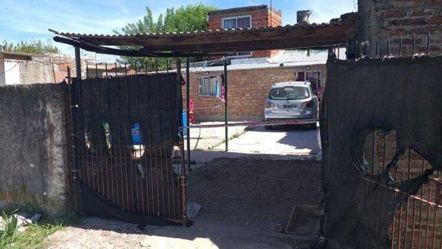 La mujer atropelló a sus tres hijos y la menor murió