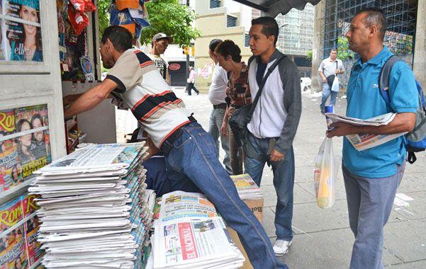 Menos lectura. Los venezolanos se percataron en los puestos de diario de la ausencia de determinados matutinos.