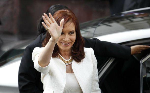 De gira. Cristina Fernández se entrevistará en Francia con François Hollande.
