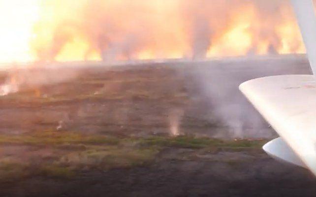 Las impactantes imágenes fueron tomadas en un sobrevuelo entre Arroyo Seco y Fighiera.