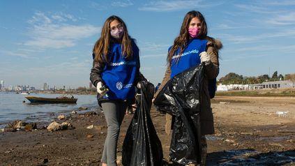 La Municipalidad de Rosario convoca a una jornada de limpieza del Paraná para que el próximo sábado 16 de octubre, de 9 a 11.30.