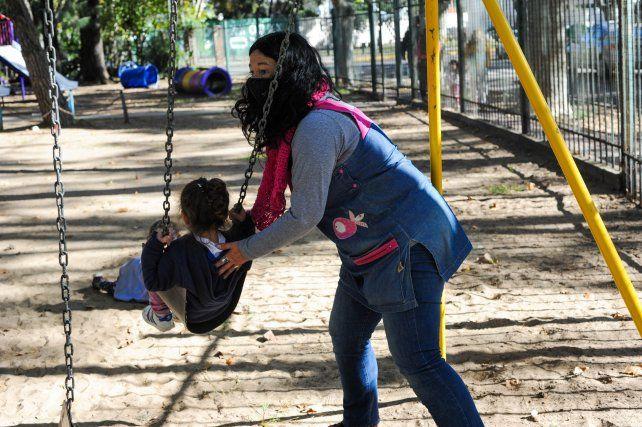 En la Argentina, siete de cada diez personas que ejercen la docencia son mujeres. Una cifra histórica asociada a las tareas de cuidados.