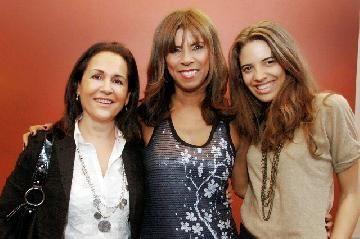 Anamá Ferreira recibió la visita de amigos famosos en el teatro