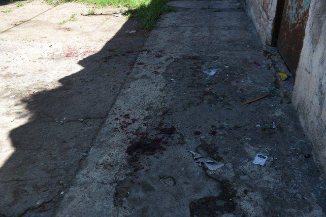 Martín Valviani fue herido de muerte frente a una casa de Alvear al 4900. Caminó agonizante 120 metros hasta que cayó muerto en Gutierrez al 2200.