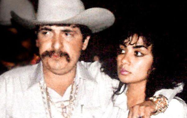 Cómplices. Miguel Angel Félix Gallardo y Sandra Avila Beltrán en una fotografía tomada en la década de 1990.