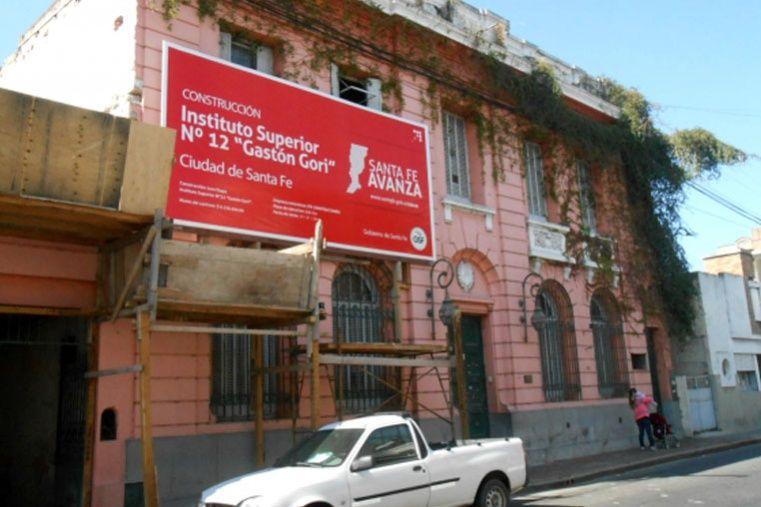Obreros que se encontraban trabajando en las obras del nuevo edificio del Instituto Nº12 Gastón Gori encontraron restos óseos.