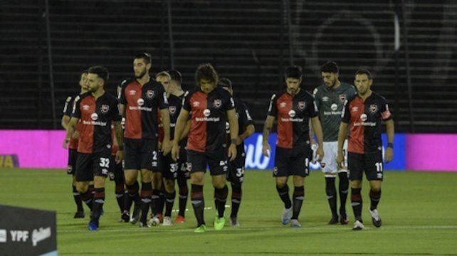 El equipo rojinegro dio un claro paso atrás luego de la importante victoria en su visita a Lanús.