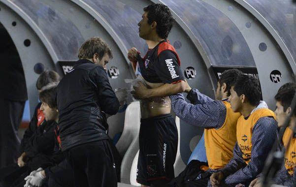 A boxes. El paraguayo sufrió un golpe el viernes y antes del cuarto de hora tuvo que ser reemplazado por Cristian Díaz.