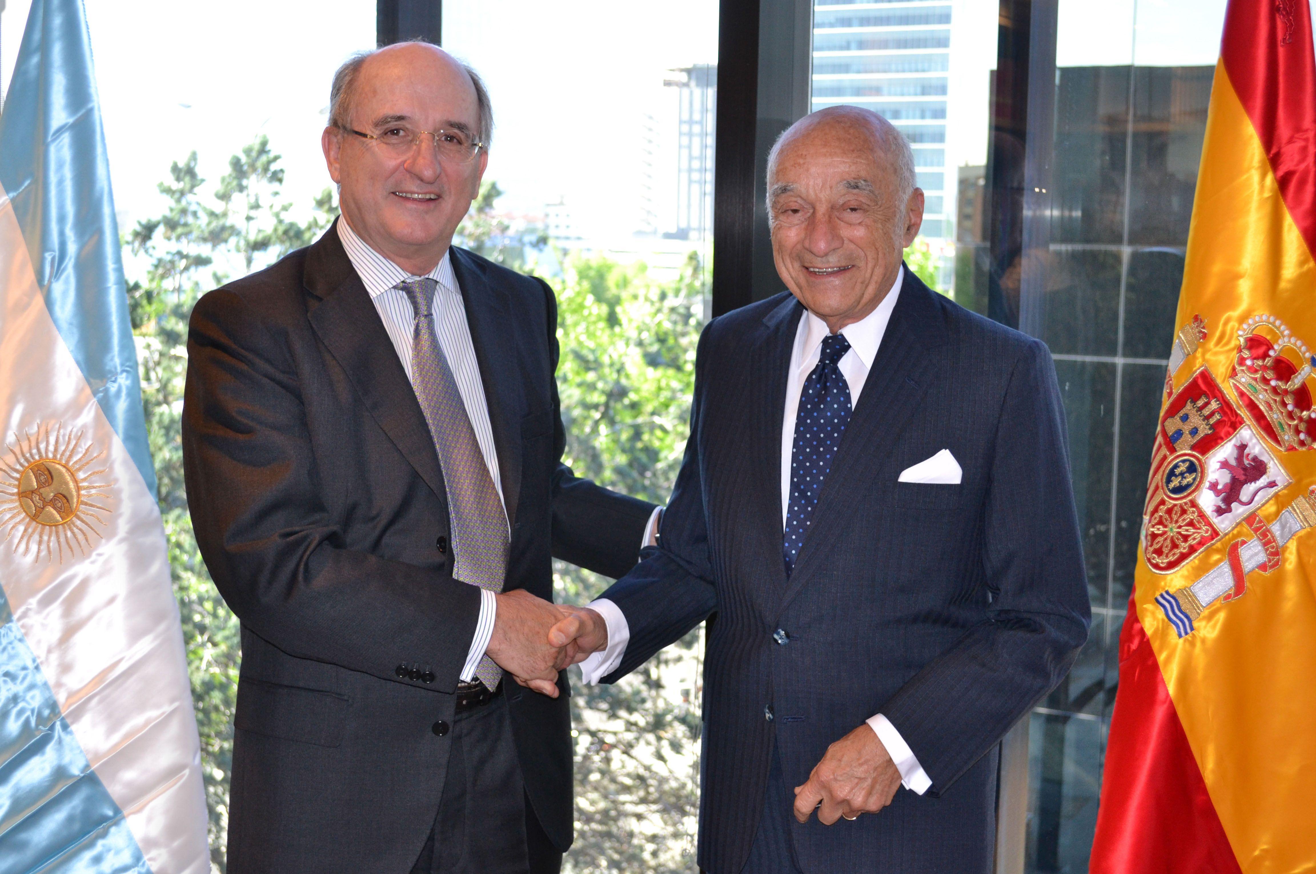 El Grupo Petersen ejercita la opción de compra a Repsol de un 10% de YPF