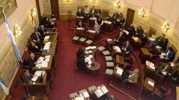 El Senado santafesino tiene ante sí un cúmulo de proyectos polémicos.