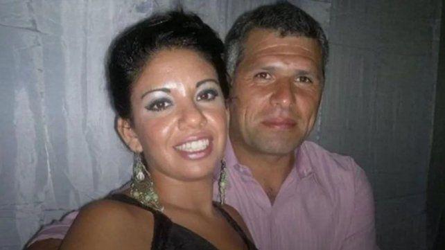 Un hombre irrumpió en el trabajo de su pareja y la asesinó a puñaladas