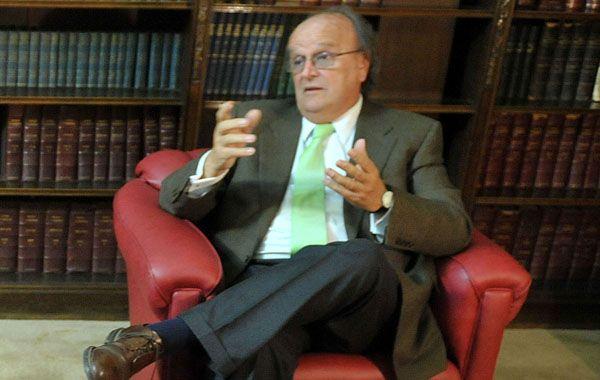 De Mendiguren defendió el diálogo con el gobierno.