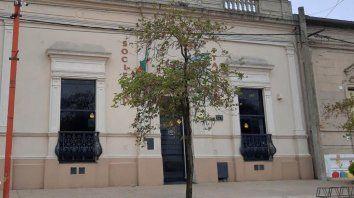 La Sociedad Italiana es un ícono de la localidad, tiene 114 años y brinda servicios a más de dos mil socios.