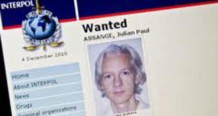 Wikileaks: Julian Assange se disfrazó de anciana para eludir a agentes de EEUU
