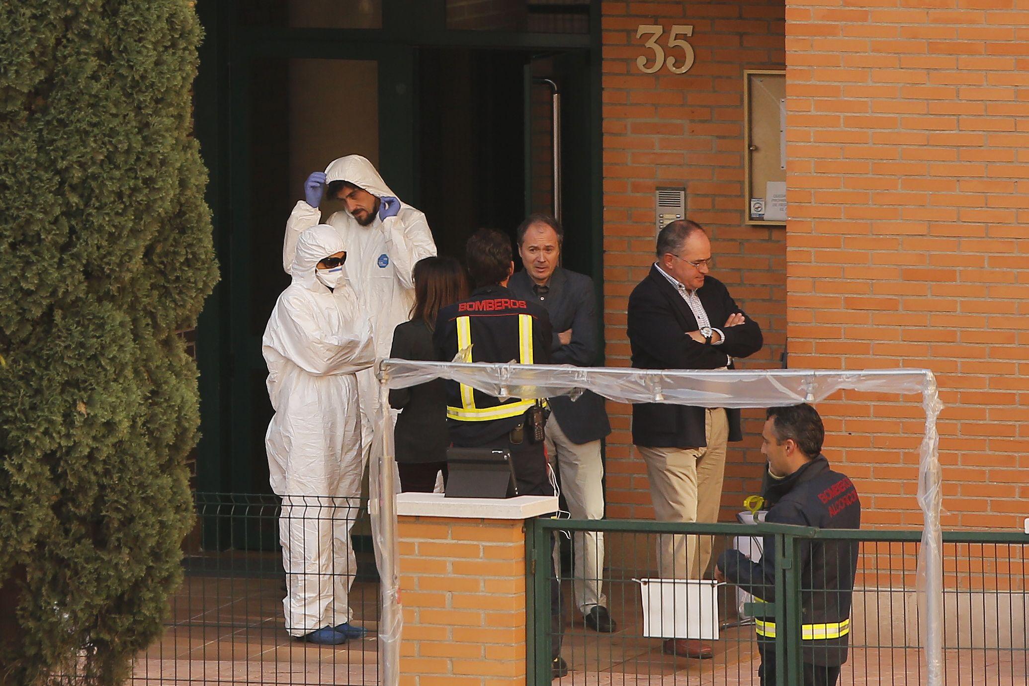 Las autoridades del área de salud de Madrid aclararon que la enfermera había recibido entrenamiento antes de tratar con los pacientes.