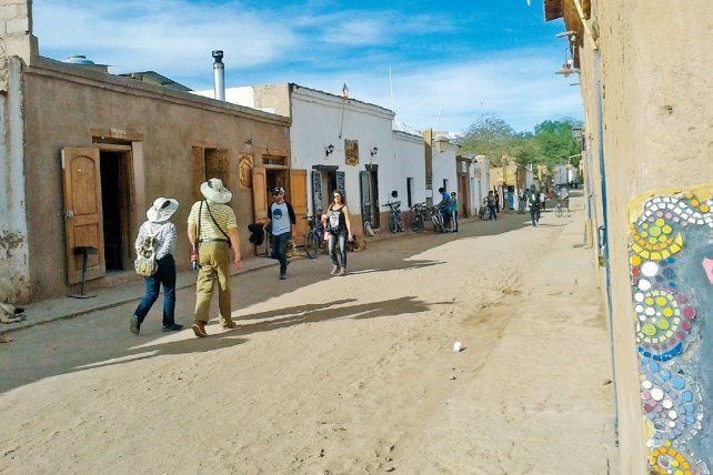 Típico. Las calles de tierra y las casas de adobe de San Pedro.