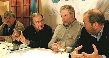 La Afip suspendió a Reutemann y Llambías como operadores de granos