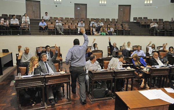 El palacio legislativo local volvió sorprender con otra iniciativa que en este caso terminó siendo votada por toda la oposición y se convirtió en ordenanza.