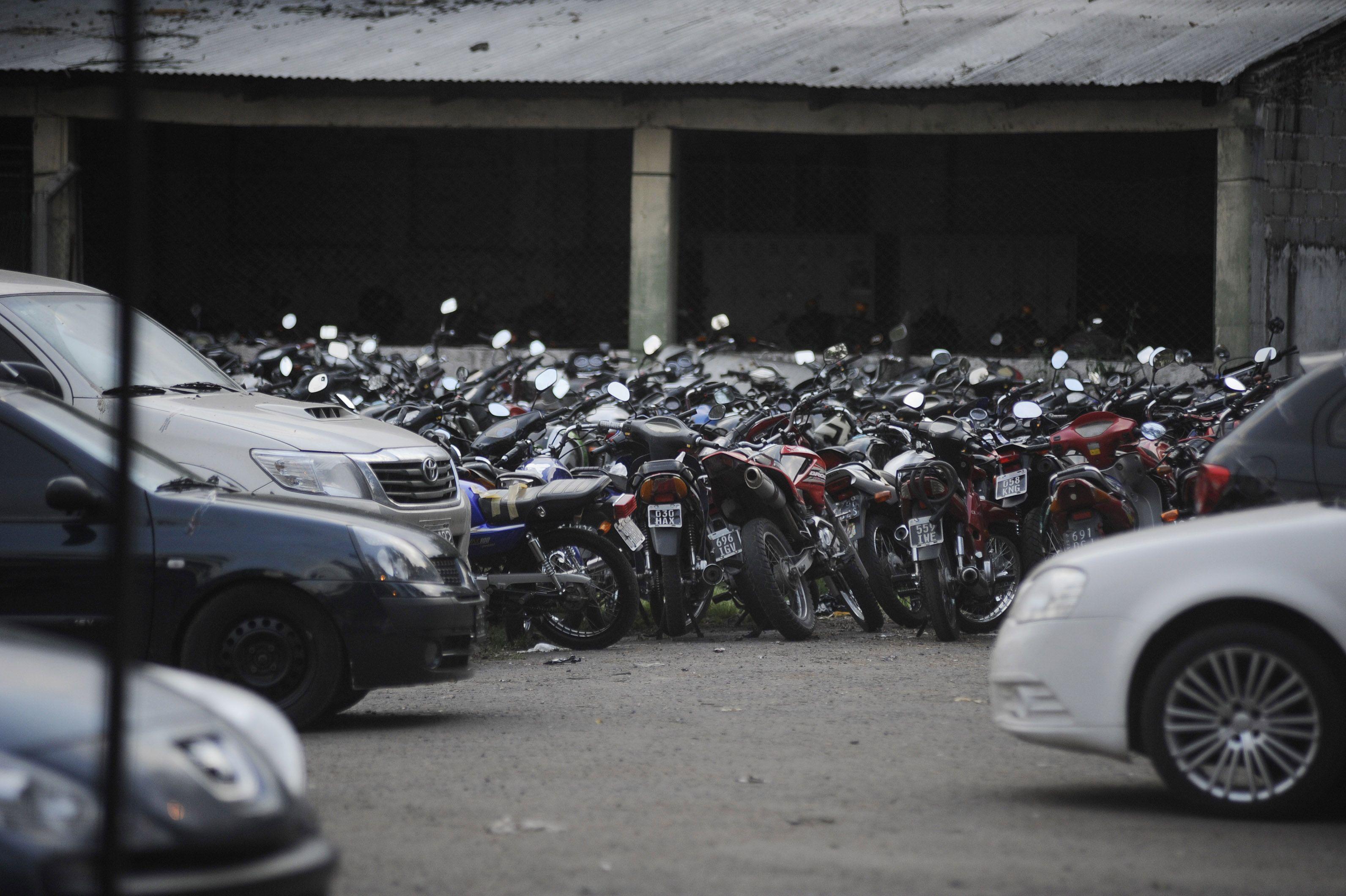 Numerosos vehículos fueron secuestrados la semana pasada por diversas irregularidades. (A.Celoria)
