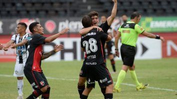 Newells le ganó a Central Córdoba gracias al aporte de los juveniles Cingolani ySforza