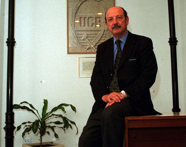 DAmbrosio ocupó cargos legislativos para la UCR.