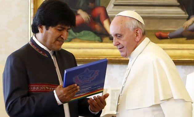 Francisco recibió a Evo Morales en octubre en el Vaticano y le prometió visitar su país.