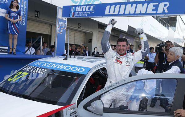 Pechito López volvió al país luego de conseguir el título de campeón mundial de Turismo