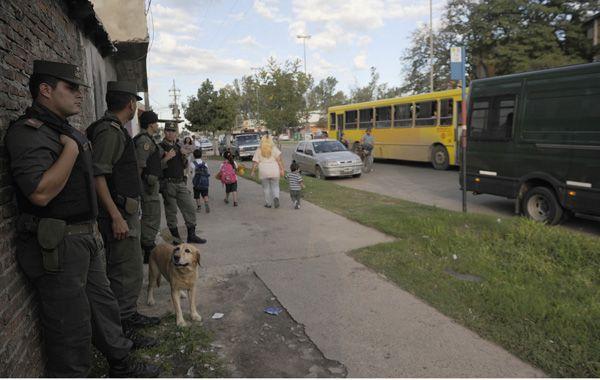 El operativo contra el narcotráfico realizado ayer involucró a 2.000 efectivos. (Foto: F. Guillén)