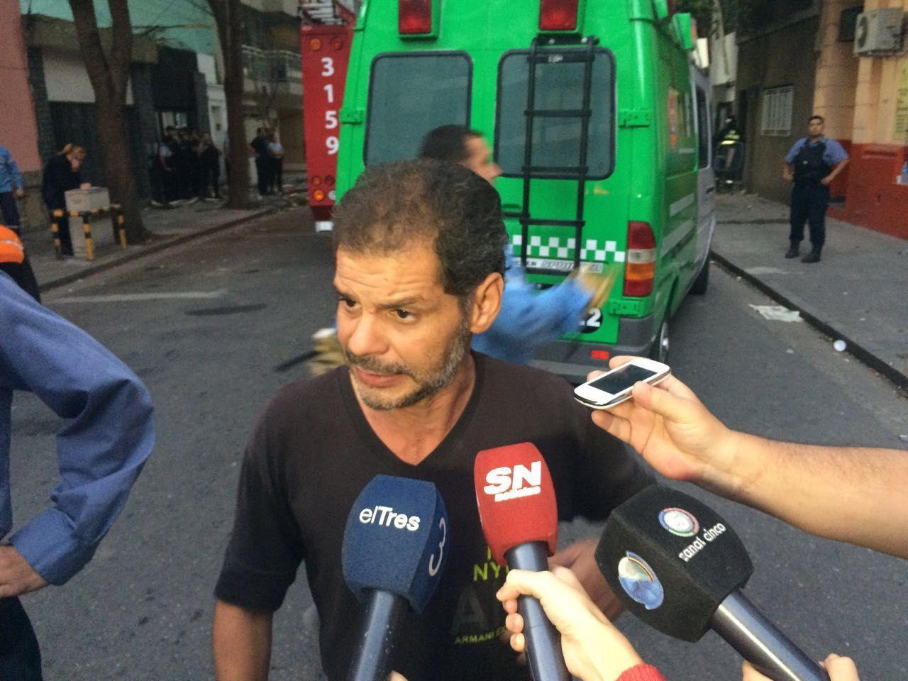 Un hombre que estaba en la zona se transformó en héroe tras rescatar a dos personas