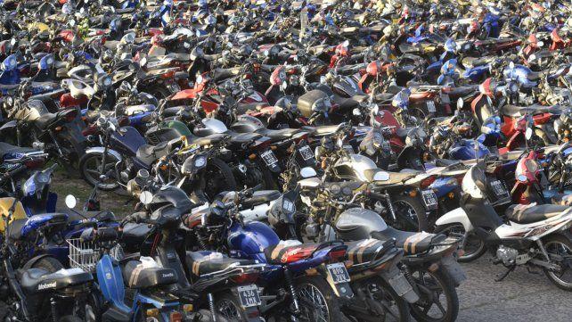 En el corralón municipal se compactó una moto y hubo un fuerte reclamo.