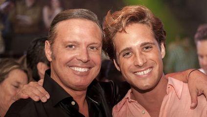 Juntos. El verdadero Luis Miguel junto al actor Diego Boneta, quien lo interpreta en la famosa serie.