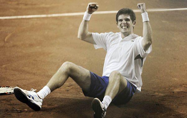 El tenista argentino se vistió de héroe.