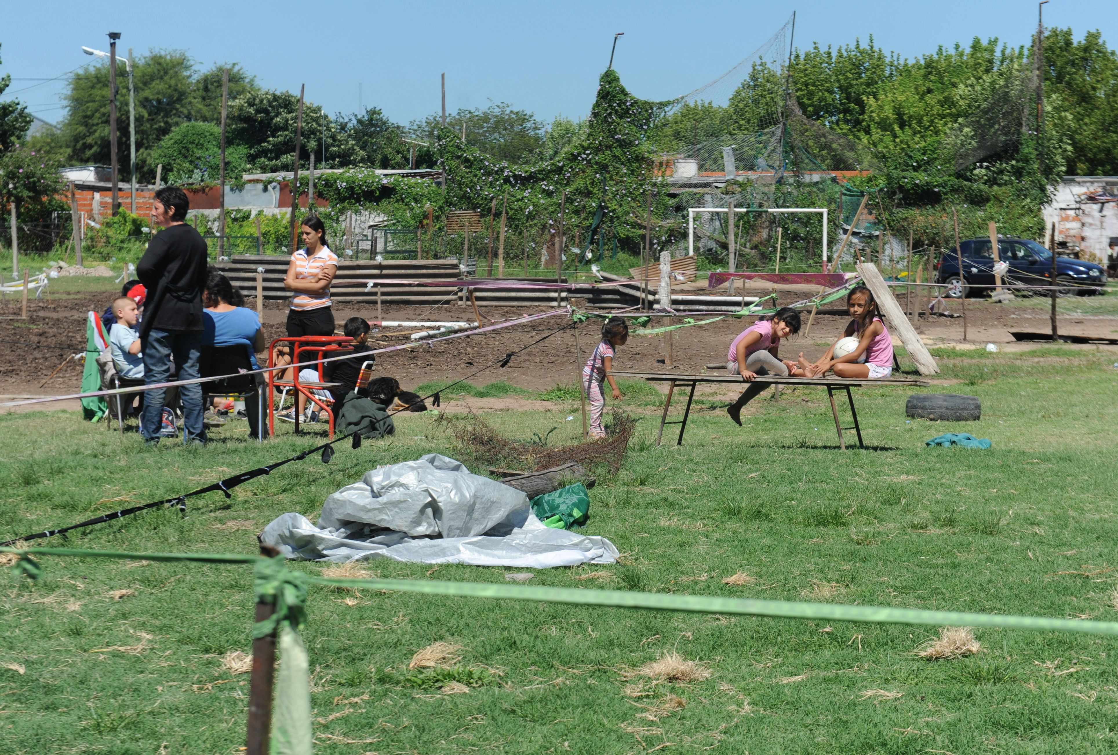 Un club de fútbol de Empalme Graneros fue usurpado por un grupo de familias.
