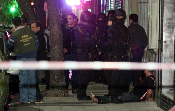 El mexicano detenido permanece en el suelo