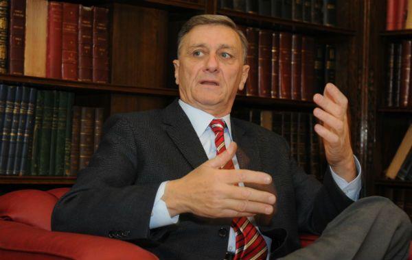 El ex candidato a presidente de la Nación criticó al kirchnerismo por transformar el Día de la Bandera en un acto partidario.