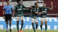 Rony festeja su gol, el que abrió el marcador en Avellaneda.