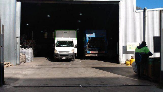 La planta se hizo desde el vamos con un ingreso para camiones, a fin de facilitar la operatividad.