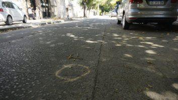 El joven fue atacado cuando circulaba en moto por la zona.