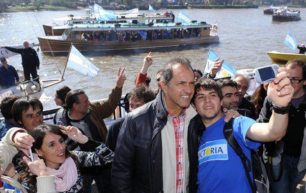"""Scioli. """"No podemos confundir a la gente hablando de una Argentina estancada""""."""